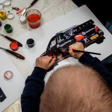 J. Anusauskienės parodoje – ir onkologinėmis ligomis sergančių vaikų piešiniai
