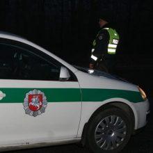 Autostradoje netoli Kauno partrenkta automobilio žuvo moteris