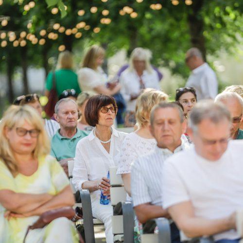 Pažaislio liepų alėjos vakaras su Inga Valinskiene  © Justinos Lasauskaitės nuotr.