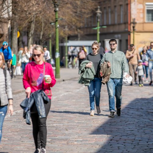 Kauniečiai džiaugėsi pavasarišku sekmadieniu  © Justinos Lasauskaitės nuotr.