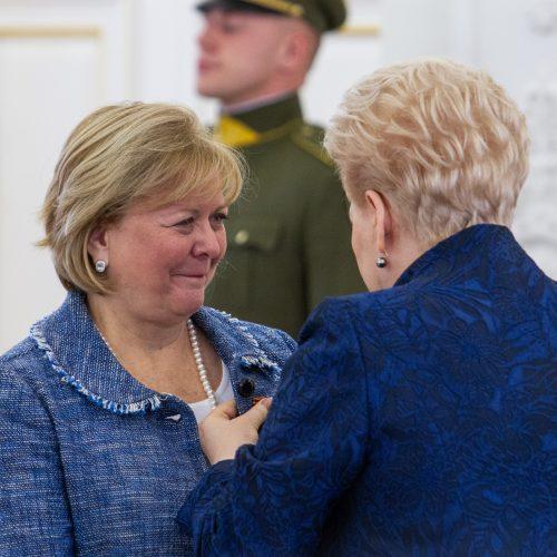 Prezidentė įteikė valstybės apdovanojimus  © P. Peleckio / Fotobanko nuotr.