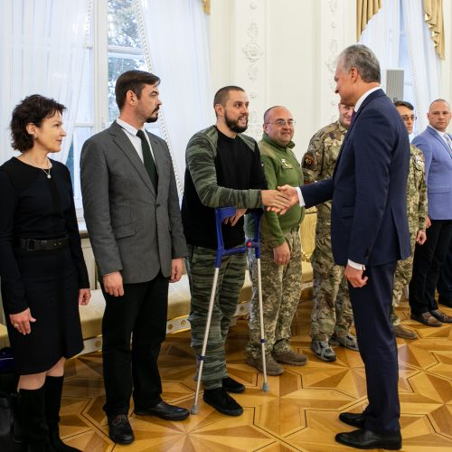 Prezidentas susitiko su Lietuvoje gydomais Ukrainos kariais  © P. Peleckio / Fotobanko nuotr.