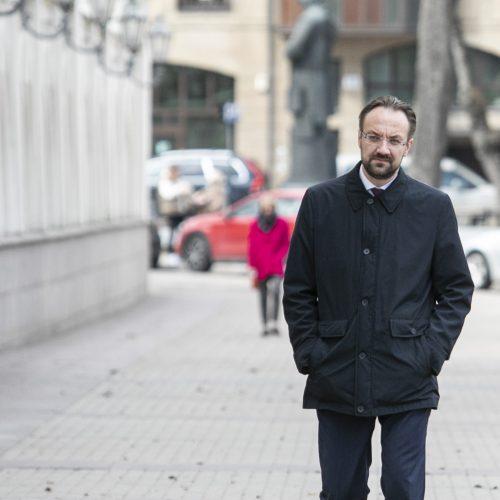 Lietuvos banko vadovas atvyko į Prezidentūrą  © P. Peleckio / Fotobanko nuotr.