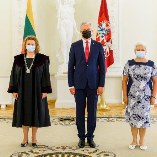 Prezidentas priėmė aštuonių teisėjų priesaikas  © R. Dačkaus / Prezidentūros nuotr.