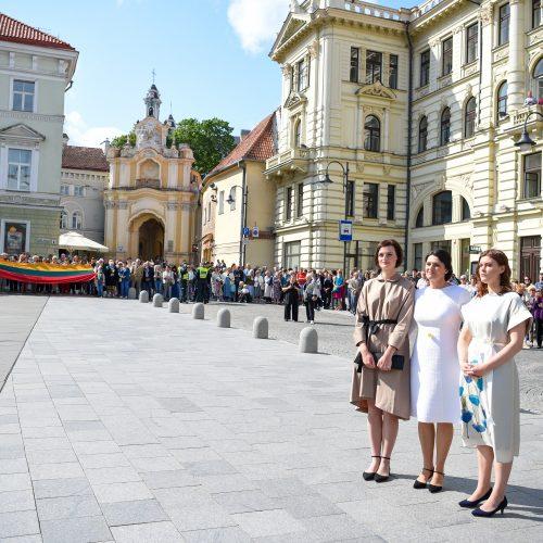 G. Nausėda apsilankė prie J. Basanavičiaus paminklo  © G. Skaraitienės / Fotobanko, R. Dačkaus / Prezidentūros nuotr.