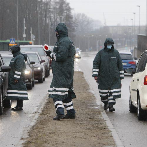 Klaipėdos policijos pareigūnai dirba postuose