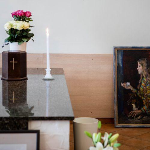 Atsisveikinimas su dailininke R. Kmieliauskaite  ©