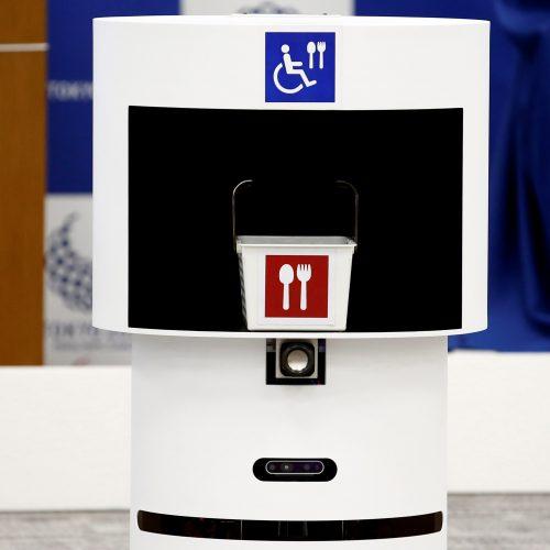 Tokijas pristatė robotus 2020-ųjų olimpiadai  © Scanpix nuotr.