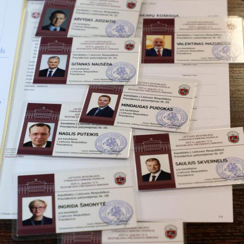 Kandidatams į prezidentus įteikti pažymėjimai
