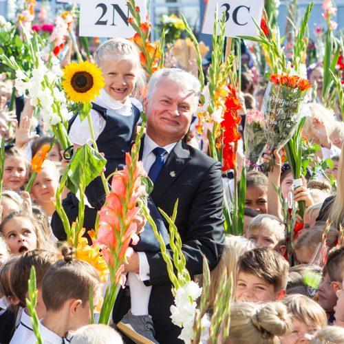 G. Nausėda apsilankė Vilniaus Jono Basanavičiaus progimnazijoje  © P. Peleckio / Fotobanko nuotr.