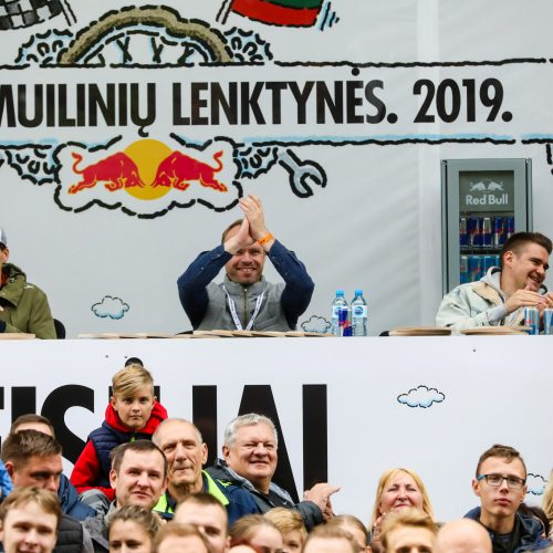 """""""Red Bull muilinių lenktynės"""" Kaune  © Laimio Steponavičiaus ir T. Biliūno / Fotobanko nuotr."""