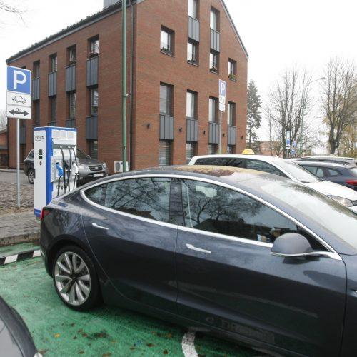 Klaipėdoje elektromobiliams – dar viena įkrovimo stotelė