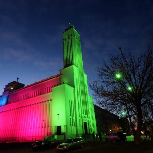 Kauno Kristaus Priskėlimo bazilika nušvito nekasdieniškomis spalvomis