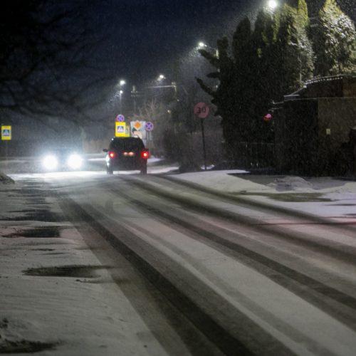 Sudėtingos eismo sąlygos Kaune  © Vilmanto Raupelio nuotr.