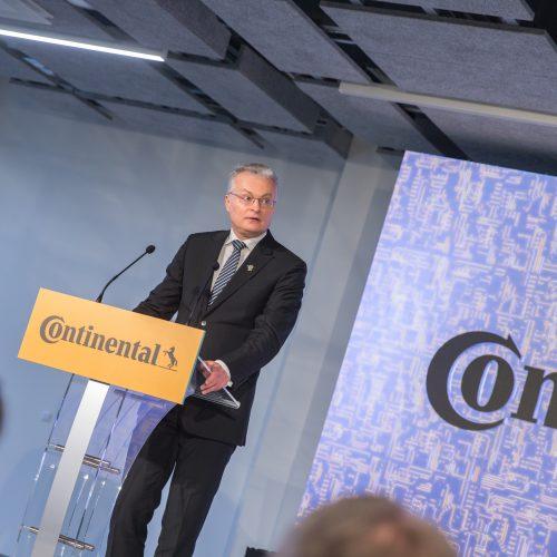 """Lietuvoje pradėjo veikti """"Continental"""" gamykla"""