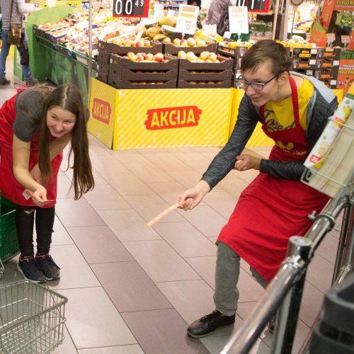 """""""Maisto banko"""" akcija <span style=color:red;>(2018 m. ruduo)</span>  © Martyno Siruso nuotr."""