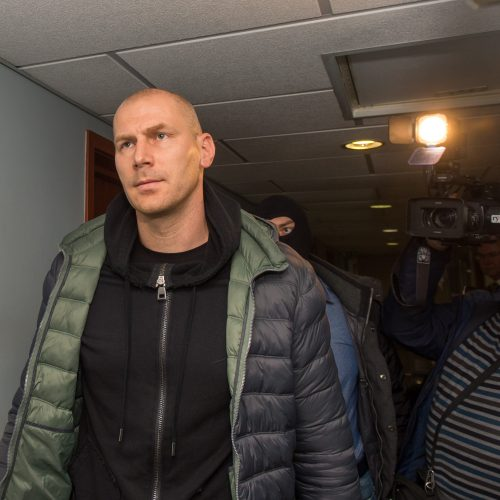 Į teismą atvestas korupcija įtariamas vienas iš Kauno ekonominės policijos vadovų