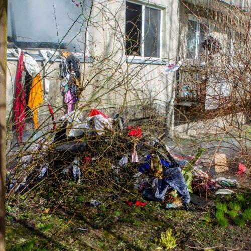 Gaisras Partizanų gatvės daugiabutyje  © Laimio Steponavičiaus nuotr.