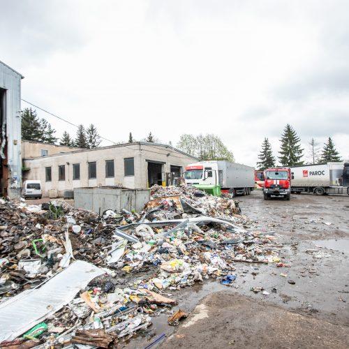 """Gaisras Kauno bendrovėje """"Ekonovus""""  © Justinos Lasauskaitės nuotr."""