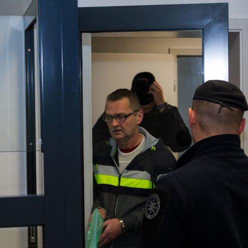Žmogžudyste Marvelės žirgyne įtariamo A. Helmo teismas