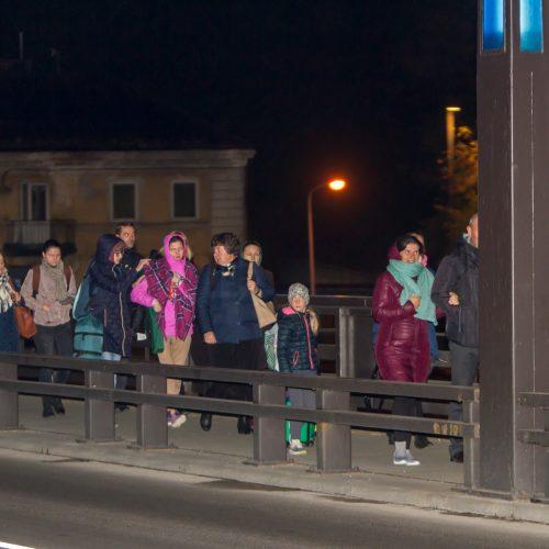 Į susitikimą su popiežiumi Kaune rinkosi maldininkai  © Laimio Steponavičiaus nuotr.