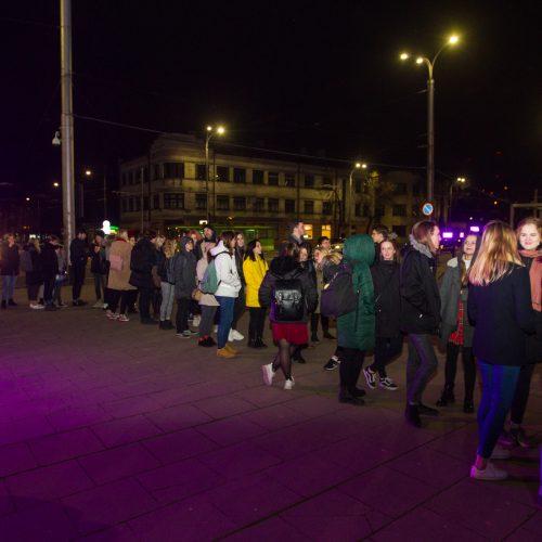 Koncertas skirtas Laimės dienai geležinkelio stotyje  © Laimio Steponavičiaus nuotr.