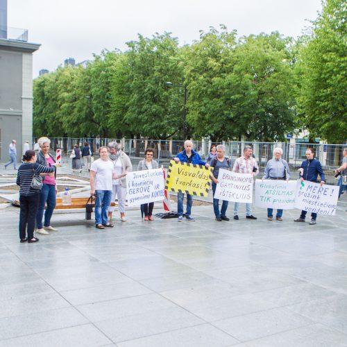 Protestavo, kad nepritrūktų vandens  © Laimio Steponavičiaus nuotr.