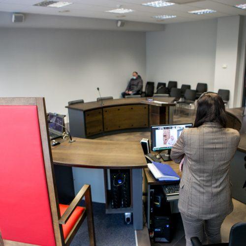 Teismo nuosprendis pagarsėjusiam aferistui V.Vilkauskui  © Vilmanto Raupelio nuotr.