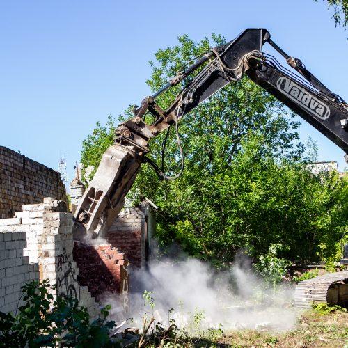 Vilniuje pradėtas griauti pastatų kompleksas