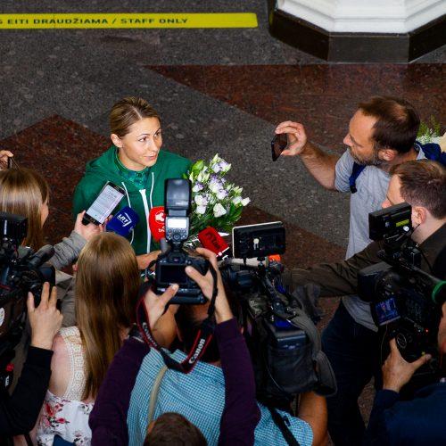 Į Vilnių parskrido L. Asadauskaitė-Zadneprovskienė
