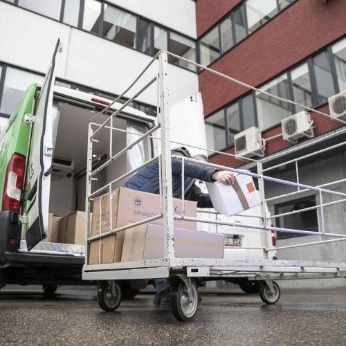 Į Lietuvą atvyko pirmoji COVID-19 vakcinų siunta  © SAM nuotr.