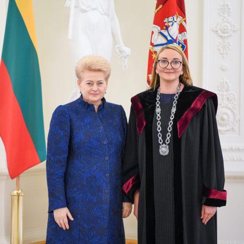 Šalies vadovė priėmė teisėjų priesaikas  © R. Dačkaus / Prezidentūros nuotr.