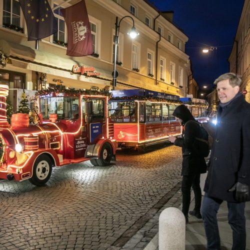 Sostinėje – Kalėdų traukinukas ir Rotušės aikštės eglės įžiebimas