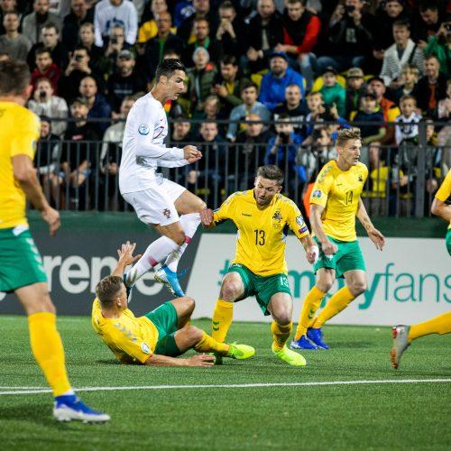 Futbolas: Lietuva – Portugalija 1:5