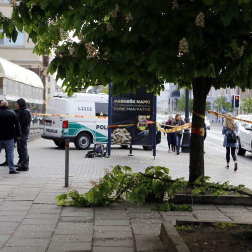 Paryčiais Klaipėdos centre nudurtas vyras  © Vytauto Petriko nuotr.