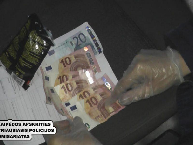 Pajūryje išaiškinta dešimtys narkotikų platinimo ir turėjimo atvejų