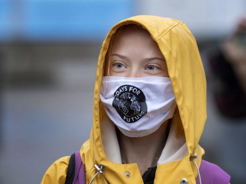 Klimato aktyvistė G. Thunberg atsirevanšavo D. Trumpui