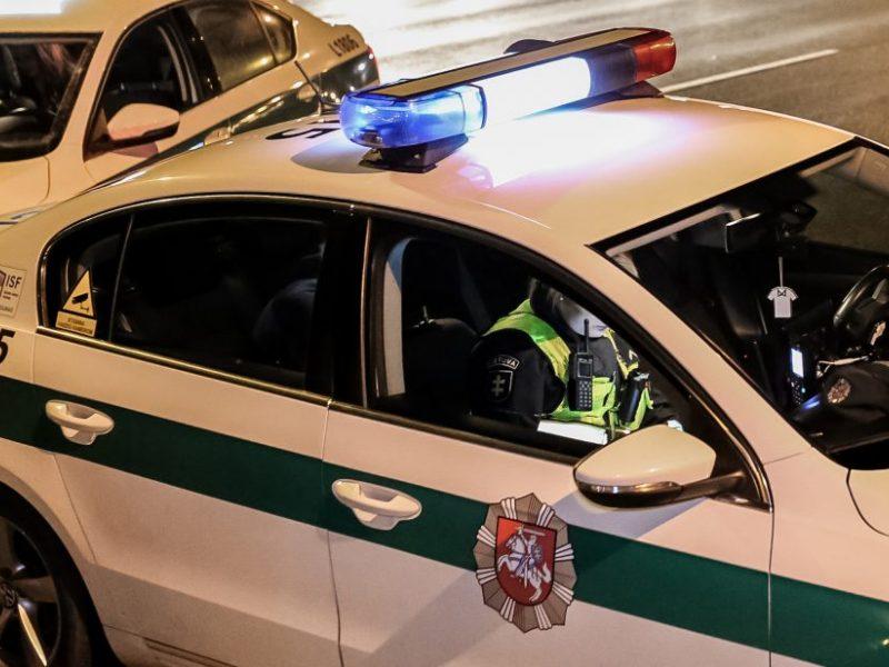Policija prašo pagalbos: avariją sukėlęs žmogus pasišalino iš įvykio vietos <span style=color:red;>(gal matėte?)</span>