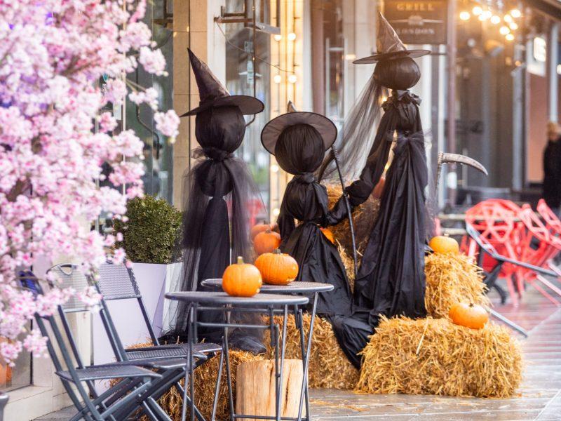 Helovino papuošimai Laisvės alėjoje