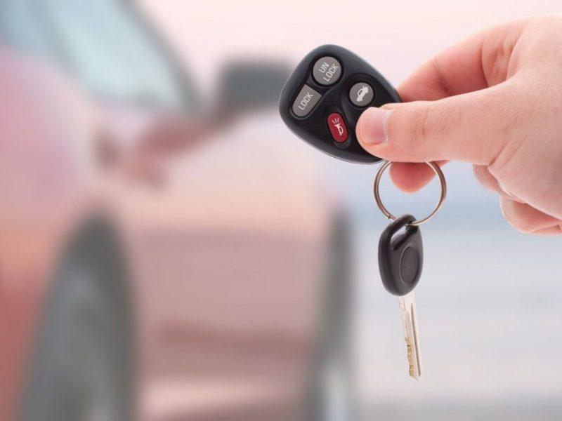 Estijos pilietis nepasikuklino: Lietuvoje pardavė savo šalyje išsinuomotą automobilį