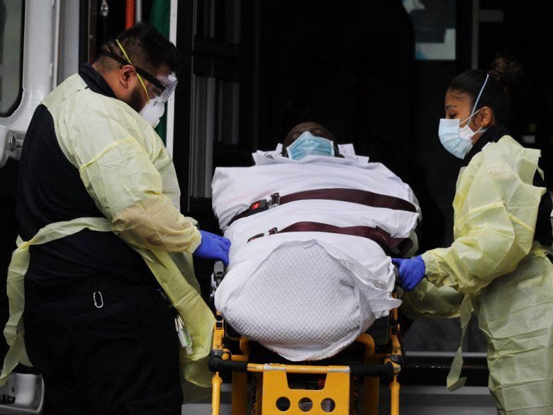 JAV per parą mirė 1,5 tūkst. COVID-19 užsikrėtusių žmonių
