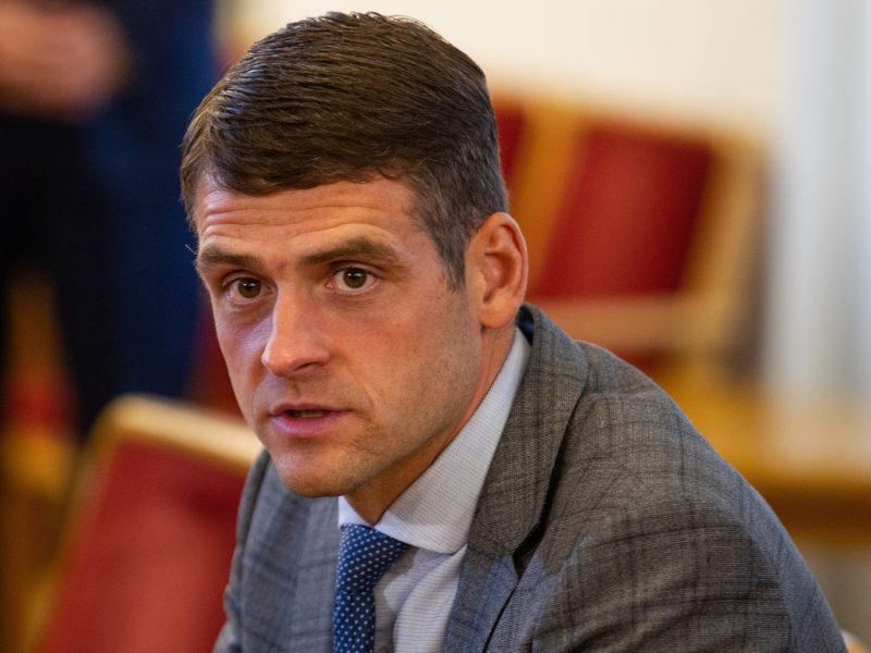 R. Žemaitaitis kol kas nesitrauks iš Seimo vicepirmininko pareigų