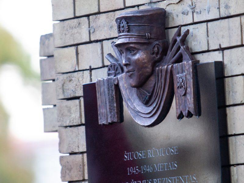 Nauja atminimo lenta Generolui Vėtrai: leidimo negavo, bet lenta liks?