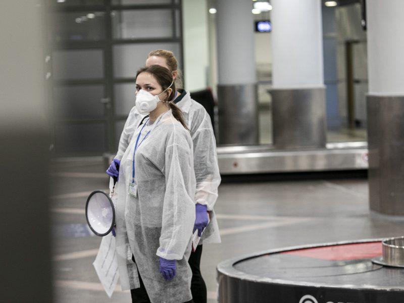 Dėl viruso Vilniaus oro uoste tikrinami žmonės