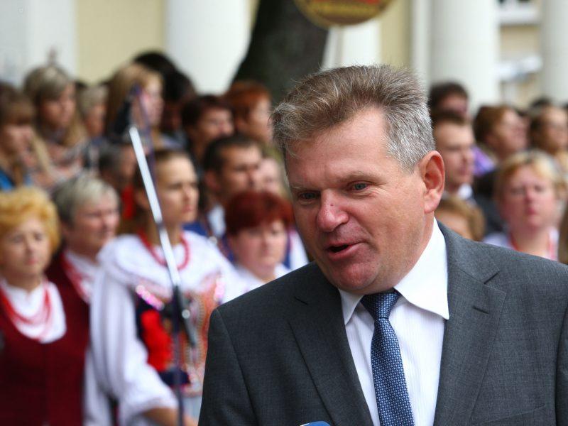 J. Narkevičius – tautinių mažumų gynėjas, sukantis į naują sritį