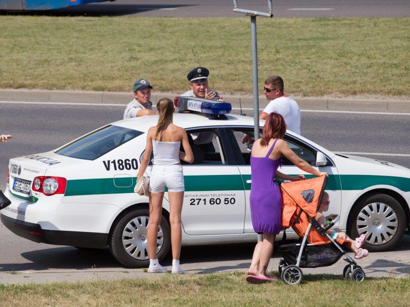 Vilniuje susidūrė automobilis ir autobusas, nukentėjo vyras