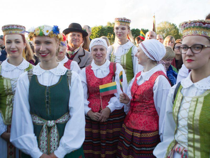Lietuva mini Valstybės – Karaliaus Mindaugo karūnavimo – dieną