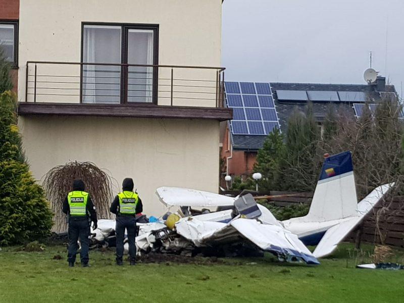 Kauno rajone nukrito lėktuvas: žuvo žinomas pilotas ir mokinys