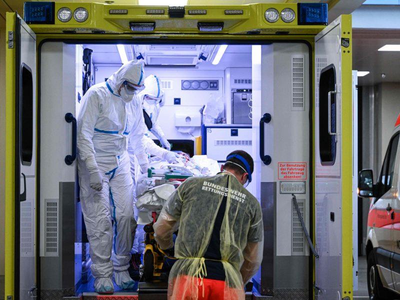 Prancūzijoje sekmadienį – beveik 300 mirčių nuo koronaviruso