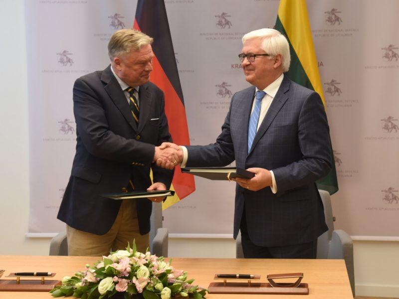 Lietuva ir Vokietija pasirašė susitarimą dėl laikino karių buvimo